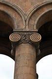 Colonnes avec des capitaux. Erevan Photo stock