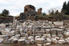 Colonnes dans Ephesus Photographie stock libre de droits