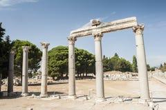 Colonnes dans Ephesus Image stock