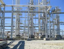 Colonnes de rectification du raffinerie de pétrole Équipement de raffinerie Colonnes technologiques de raffinerie de pétrole photos stock