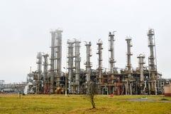 Colonnes de rectification, unité de séparation de gaz au raffinerie de pétrole, pétrochimique photographie stock