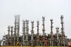 Colonnes de rectification, unité de séparation de gaz au raffinerie de pétrole, pétrochimique photo libre de droits