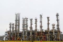 Colonnes de rectification, unité de séparation de gaz au raffineur de pétrole image libre de droits