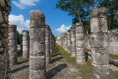 Colonnes en pierre maya Image stock