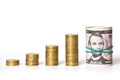 Colonnes et argent de pièce de monnaie Images libres de droits