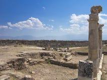 Colonnes et ruines de temple antique d'Artemis Photo stock