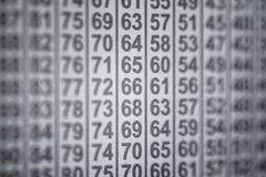 Colonnes noires et blanches de table abstraite de matrice des nombres photographie stock libre de droits