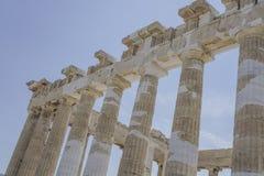 Colonnes sur l'Acropole athénienne, à Athènes, la Grèce Photo libre de droits