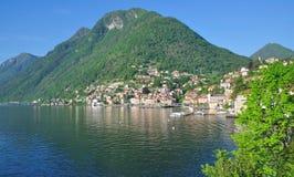 Colonno, lac Como, arrivant voient, l'Italie Images stock