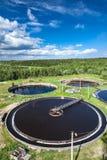 Colons circulaires énormes de station d'épuration photos libres de droits