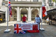 Coloque estacas o grupo para próprio representante de Gibraltar em Westminster Foto de Stock Royalty Free