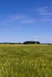 Coloque, motor de viento y un cielo azul Imagen de archivo