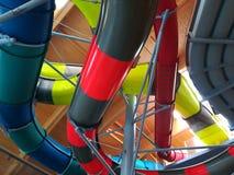 Coloré d'intérieur de glissières d'eau Image libre de droits