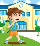 Coloré d'un garçon avec le sac à dos Image libre de droits