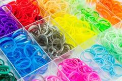 Coloré des bandes élastiques de métier à tisser Photos stock