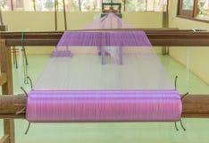 Coloré du fil en soie cru pour le fond Photo stock