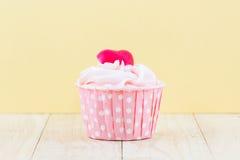 Coloré du gâteau de tasse douce Images stock