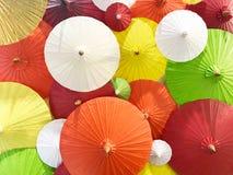 Coloré du parapluie fait main de style thaïlandais image libre de droits