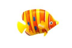 Coloré en plastique de jouet de poissons sur d'isolement Image stock