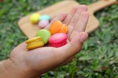 Coloré multi de macarons français est délicieux Photos libres de droits