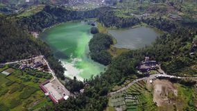 Color湖的鸟瞰图在Dieng 影视素材