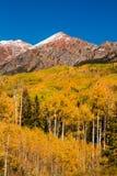 Color de la caída en la mota con cresta Colorado Imagen de archivo