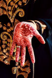 Color de la tradición del arte de cuerpo del tatuaje de la mano de la alheña Fotografía de archivo
