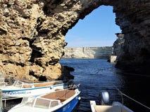 color del azul del agua de Crimea del mar del barco foto de archivo