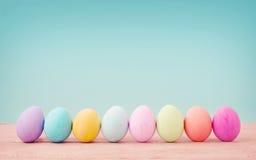 color en colores pastel de los huevos de Pascua Imagen de archivo