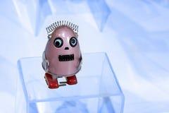 Color lindo hermoso del rosa de la muchacha del robot del juguete imagen de archivo
