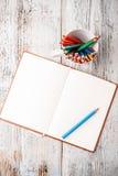 Color ritar och anteckningsboken Fotografering för Bildbyråer