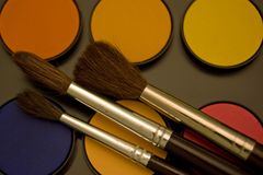 Color y cepillo de agua Imágenes de archivo libres de regalías