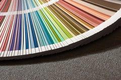 Colora o cartão, close up do guia da cor, escala de cores, amostra de folha da cor Imagens de Stock