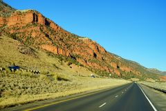 Colorado berg och huvudväg Royaltyfria Foton