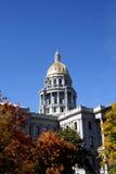 Colorado Campidoglio che costruisce a Denver con colore di caduta Fotografia Stock