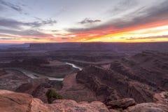 Colorado Gooseneck Mesa Purple Sunset Royaltyfri Fotografi