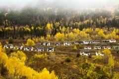 Colorado höst på den övergav Gilman townsiten Fotografering för Bildbyråer