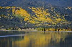 colorado lakes kopplar samman royaltyfria bilder