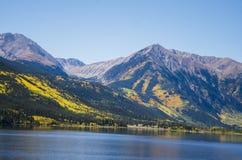 colorado lakes kopplar samman arkivfoton