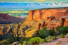 Colorado nationell monument på solnedgången Royaltyfri Bild