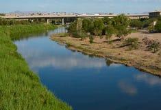 Coloradofloden på Yuma Arkivfoto