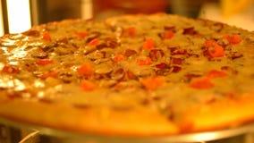 Colore caldo di lavoro girante dell'esposizione della pizza video d archivio