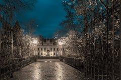Colore d'argento freddo del vicolo magico di autunno Fotografia Stock