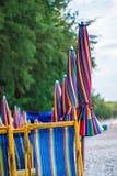 Colore della spiaggia dell'ombrello in pieno Immagini Stock