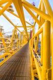 Colore giallo della piattaforma petrolifera Fotografie Stock