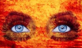 Colore giallo rosso degli occhi azzurri di trucco di struttura astratta della donna Immagini Stock