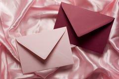 Colore rosa delle lettere di amore immagine stock