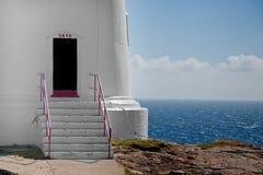 Colore rosso del entrancewith del faro Fotografie Stock Libere da Diritti