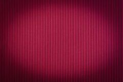 Colore rosso del fondo decorativo, struttura a strisce, pendenza di vignettatura wallpaper Arte Progettazione fotografia stock libera da diritti