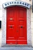 colore rosso del portello immagine stock libera da diritti